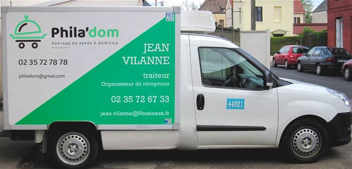 Camion de livraison de repas Phila'dom sur Rouen et agglomération